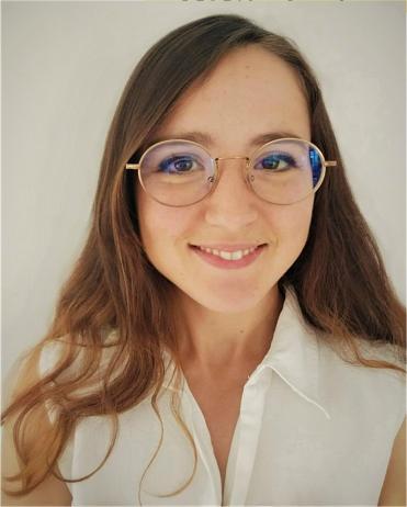 Yasmine Floucat portrait d'une secrétaire freelance en haute garonne
